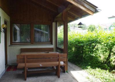 Überdachte Terasse Wohnung Marleen - Ferienwohnung Thaller - Bruckmühl zwischen München und Rosenheim